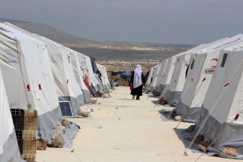 A camp for displaced people near the Bab al-Hawa border