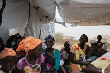 South-Sudanese internally displaced women and children in IOM health facility in Kandak