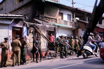Sri Lankan soldiers patrolling the areas hit by the mobs in the district of Kandy.