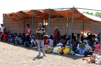 Ethiopians refugees waiting for assistance in a refugee camp in Sudan