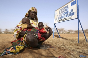 A Malian woman at the entrance of Goudobou camp in Burkina Faso