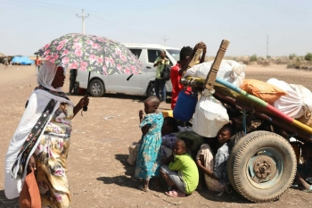 Refugees from the Tigray region of Ethiopia fleeing to neighbouring Sudan