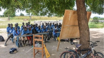 Lesson in a primary school in Northwest region
