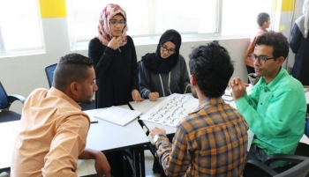 Young people in Taiz, Yemen engaging in a peacebuilding training workshop
