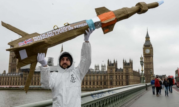 Amnesty International activist in protest against UK arms sales to Saudi Arabia in 2016